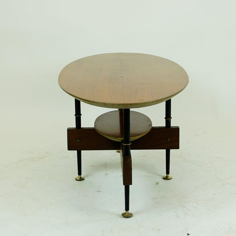Metal Italian Midcentury Oval Teak Coffee or Cocktail Table For Sale