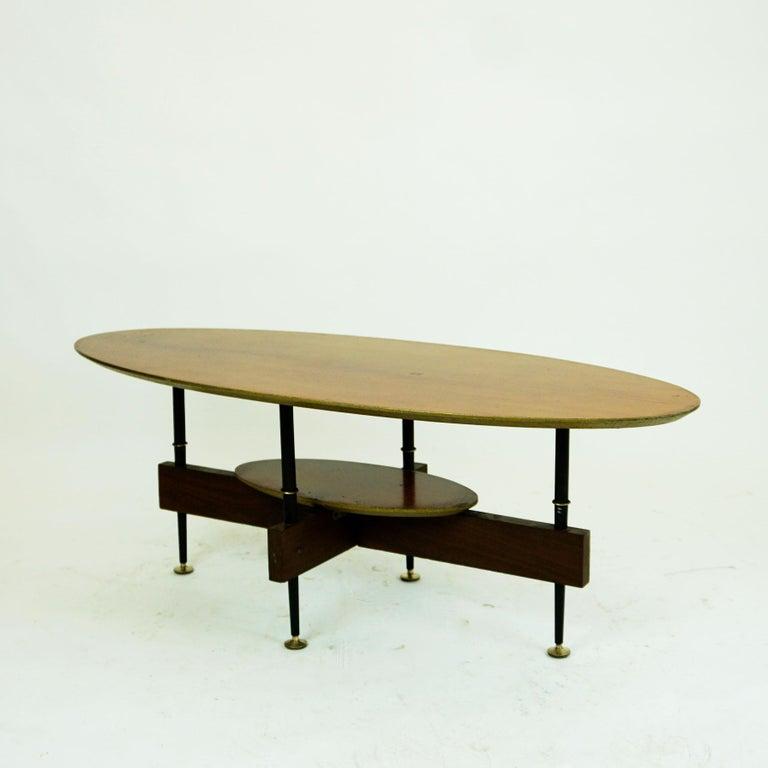 Italian Midcentury Oval Teak Coffee or Cocktail Table For Sale 2