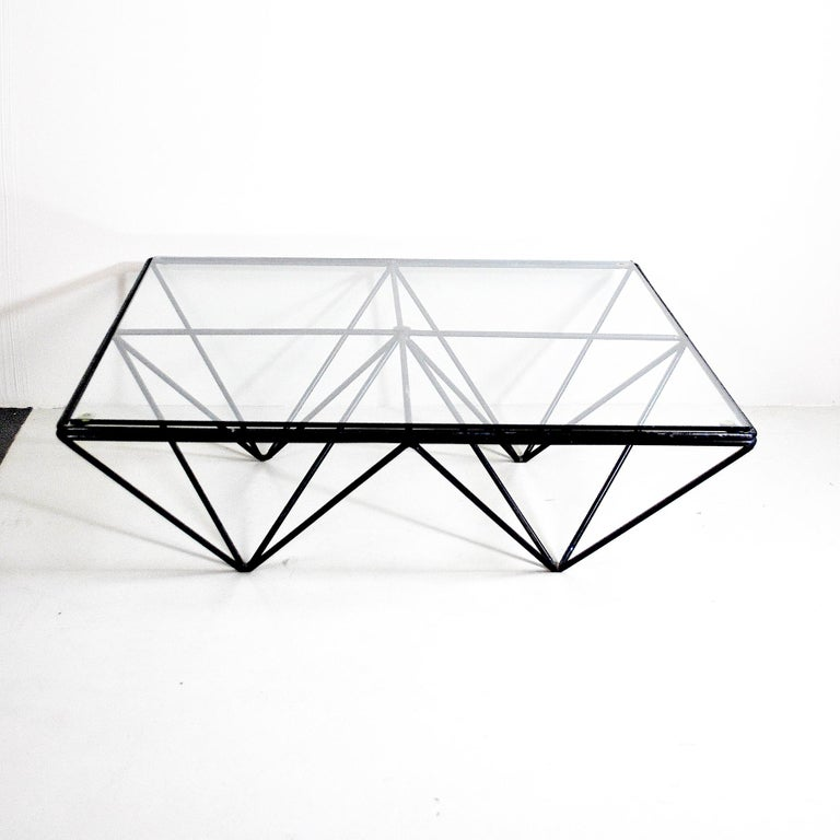 A Classic of Italian design from the 1980s. Coffee table Alanda by Paolo Piva for B&B.