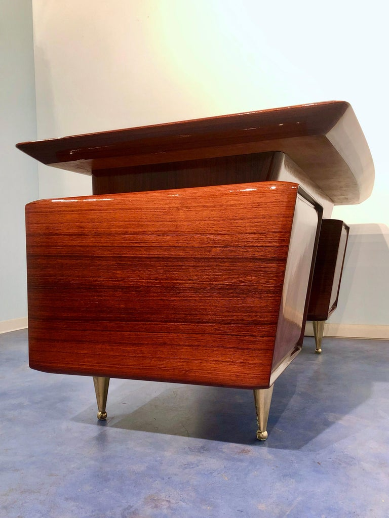 Italian Midcentury Rosewood Executive Desk with Chairs, Vittorio Dassi, 1950s  For Sale 5