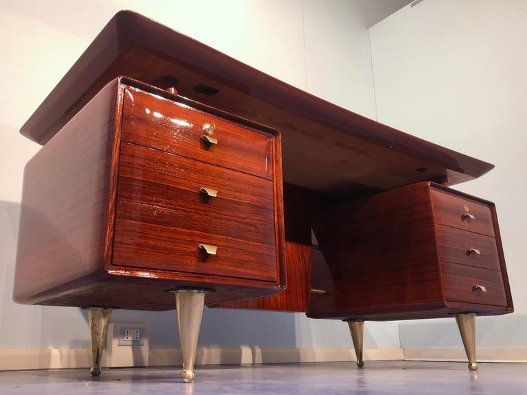 Italian Midcentury Rosewood Executive Desk with Chairs, Vittorio Dassi, 1950s  For Sale 7