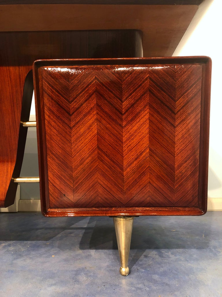 Italian Midcentury Rosewood Executive Desk with Chairs, Vittorio Dassi, 1950s  For Sale 2