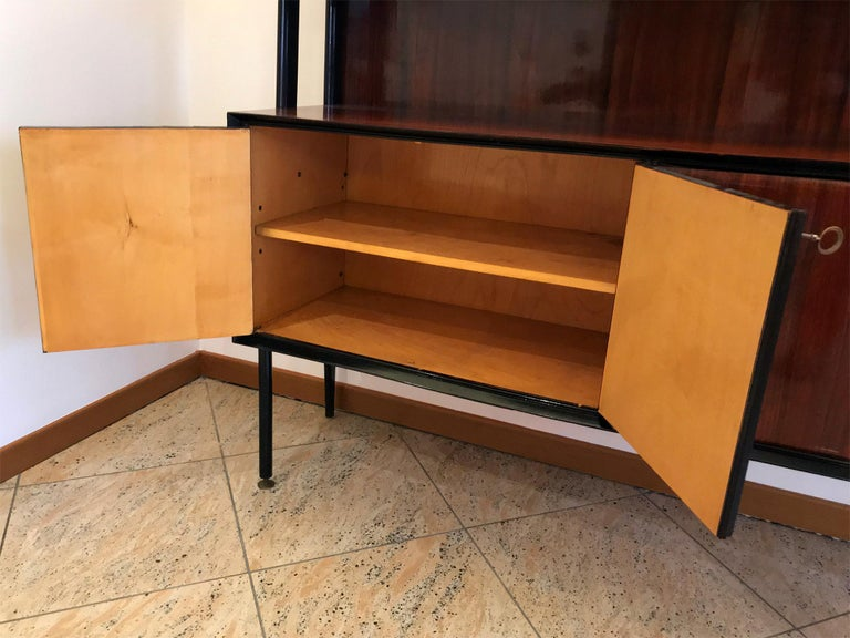 Painted Italian Midcentury Rosewood Self-Standing Bookcase by Vittorio Dassi, 1950s For Sale