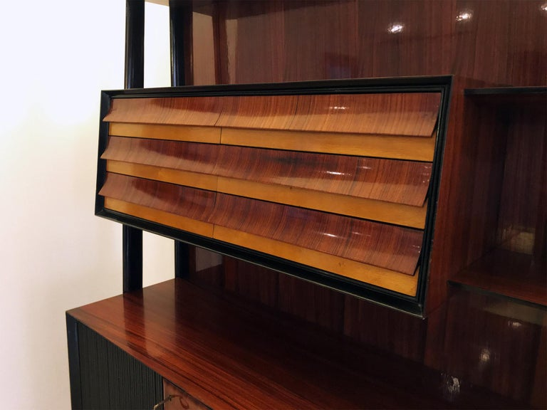 Iron Italian Midcentury Rosewood Self-Standing Bookcase by Vittorio Dassi, 1950s For Sale
