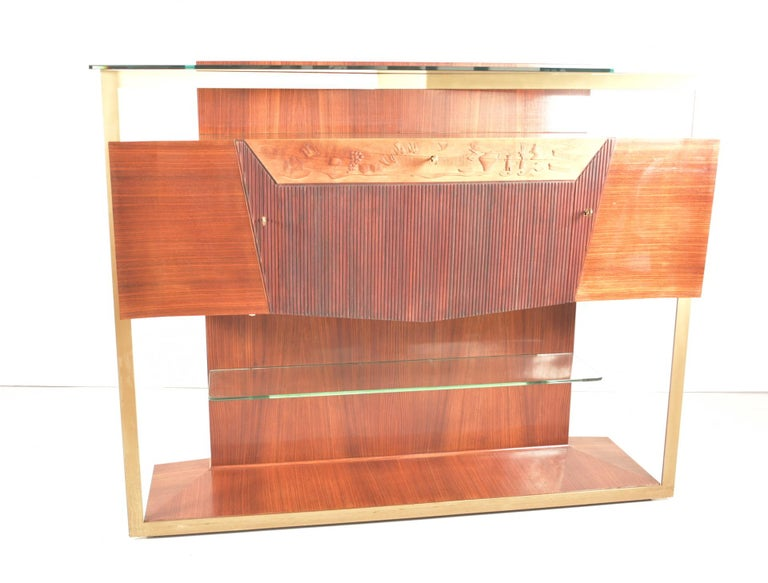 Italian Midcentury Rosewood Sideboard or Bar Cabinet by Vittorio Dassi, 1950s In Good Condition For Sale In Rovereta, SM