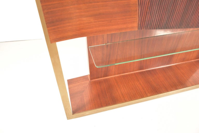 Italian Midcentury Rosewood Sideboard or Bar Cabinet by Vittorio Dassi, 1950s For Sale 2