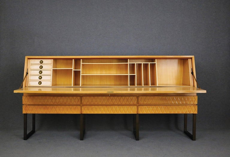 Italian Midcentury Sideboard by Antonio Cassi Ramelli and L. Anzani Signed 1950s In Good Condition For Sale In Milano, IT