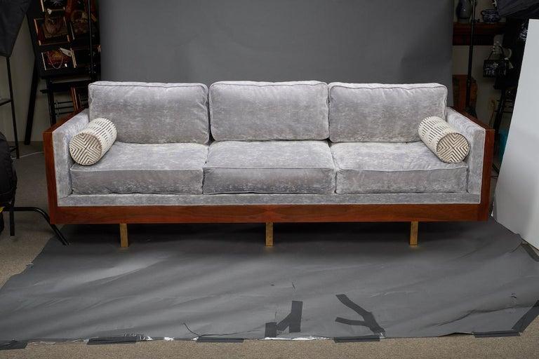 Italian Midcentury Sofa in Walnut For Sale 2