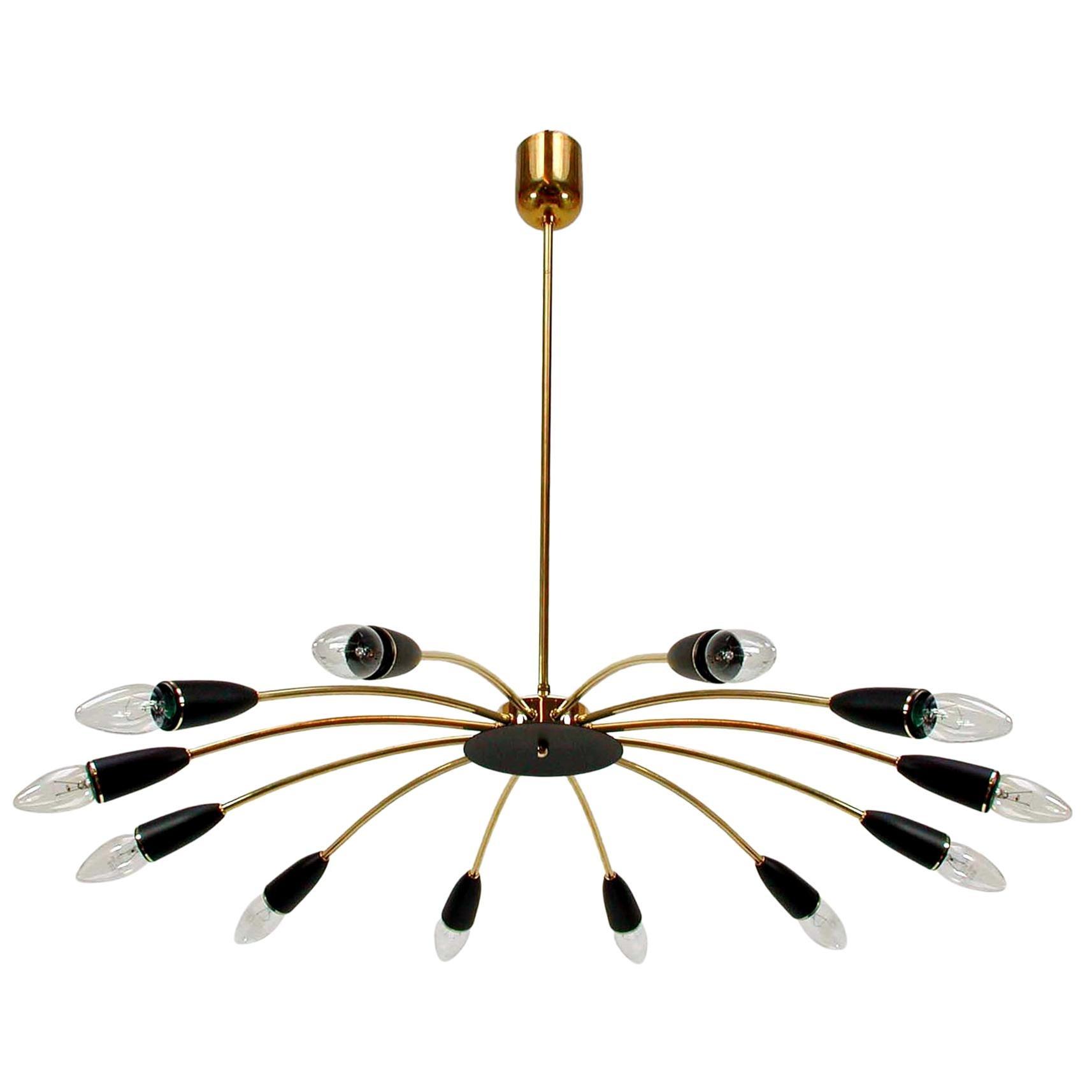 Italian Midcentury Twelve-Light Sputnik Chandelier in the Manner of Stilnovo