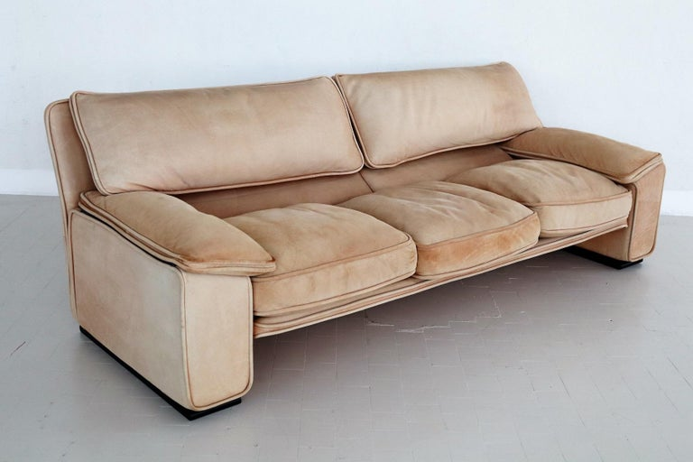Handsome Italian vintage 3 seater Nappa leather sofa, incredibly comfortable and stylish!  Made in Italy in the 1970s by Brunati. Nappa leather is made from full-grain, un-split animal hide and not modified in any way. Just the hair is removed
