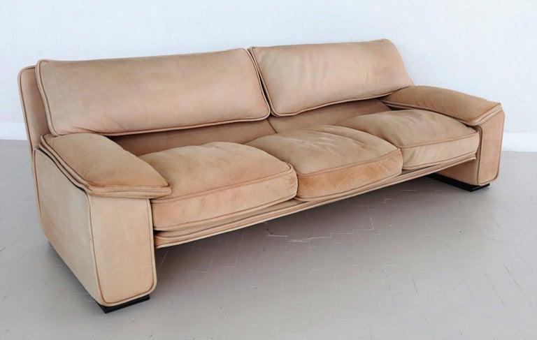 Italian Midcentury Vintage Nappa Leather Sofa by Ferruccio Brunati, 1970s In Good Condition For Sale In Clivio, Varese