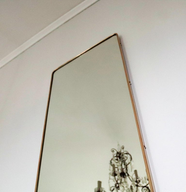 Italian Midcentury Vintage Wall Mirror with Original Brass Frame from the 1950s In Good Condition In Clivio, Varese