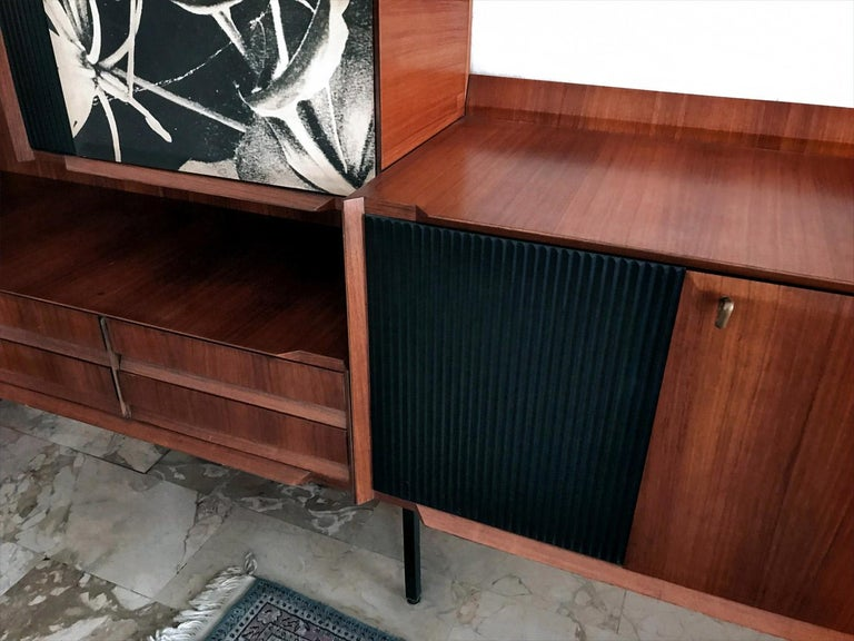 20th Century Italian Midcentury Wall Unit or Bookcase by Vittorio Dassi, 1950s For Sale
