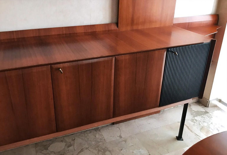 Italian Midcentury Wall Unit or Bookcase by Vittorio Dassi, 1950s For Sale 1