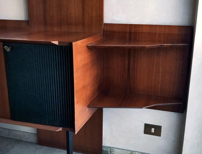 Italian Midcentury Wall Unit or Bookcase by Vittorio Dassi, 1950s For Sale 2