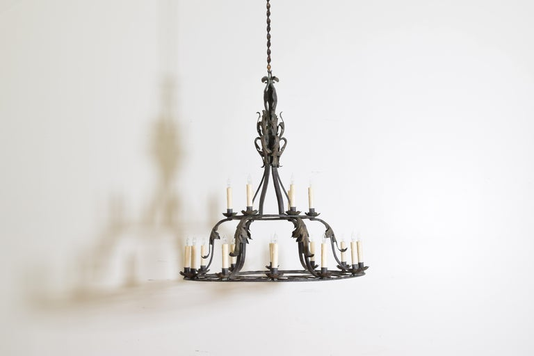 Italian, Milanese, Wrought & Painted Iron 18-Light Chandelier, UL In Excellent Condition For Sale In Atlanta, GA