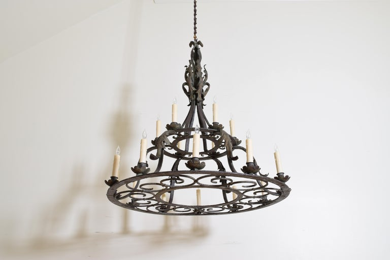 Early 20th Century Italian, Milanese, Wrought & Painted Iron 18-Light Chandelier, UL For Sale