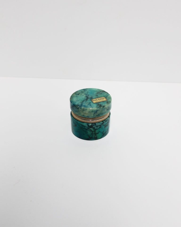 Italian Modern Alabaster Marble Round Jewelry Box In Good Condition For Sale In New York, NY