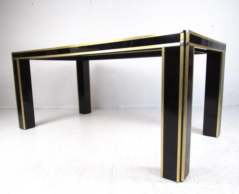Italian Modern Conference or Dining Table In Fair Condition For Sale In Brooklyn, NY