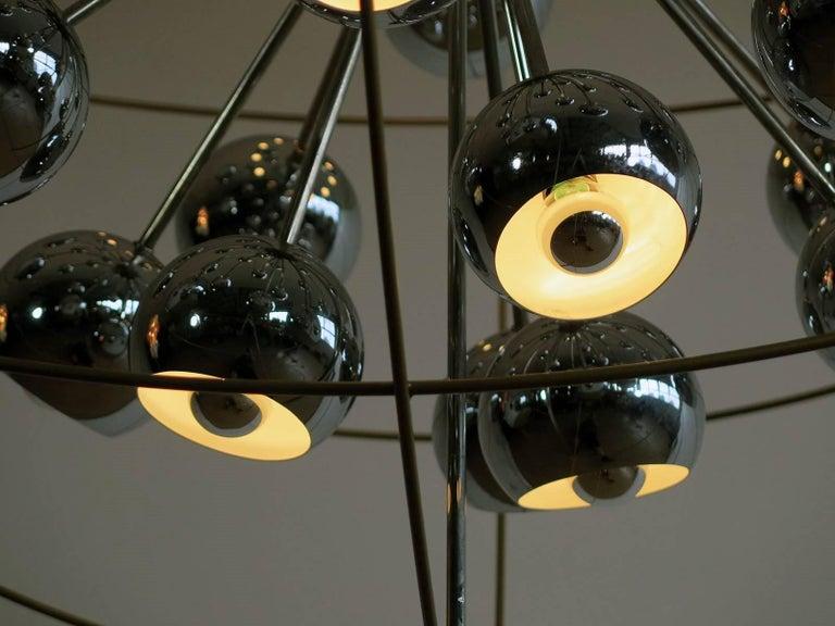 Italian Modern Multi Light Sputnik Chandelier with Chrome Reggiani Lamps, 1970 For Sale 1