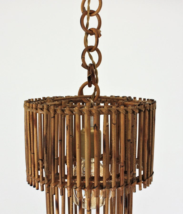 Italian Modern Rattan Cylindrical Pendant Hanging Light or Lantern, 1960s In Good Condition For Sale In Barcelona, ES