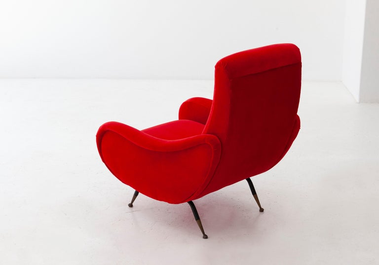 Italian Modern Red Velvet Armchair, 1950s In Excellent Condition For Sale In Rome, IT