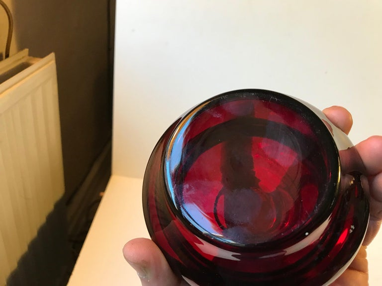 Italian Modern Ruby Red Lidded Jar in Glass by Empoli, 1960s In Good Condition For Sale In Esbjerg, DK