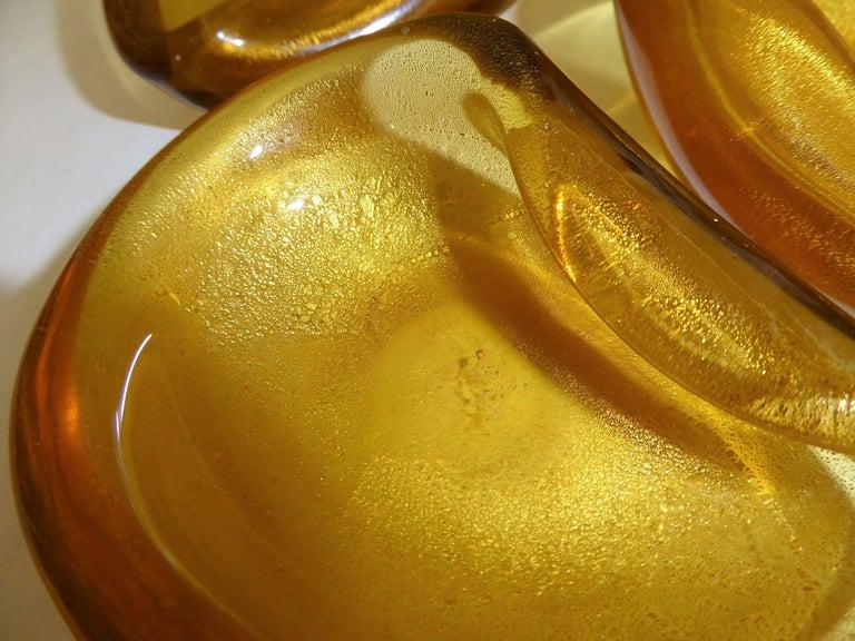 Mid-Century Modern Italian Modern Set of 3 Gold Clam Shaped Murano Salt Cellars / Ashtrays, 1950s For Sale