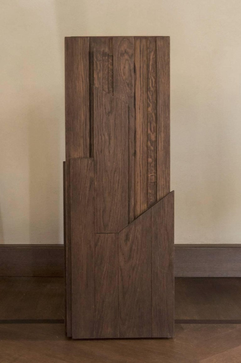 Italy Hand-Carved Oak Wood Column in Post Modern Style In Excellent Condition For Sale In Brescia, IT