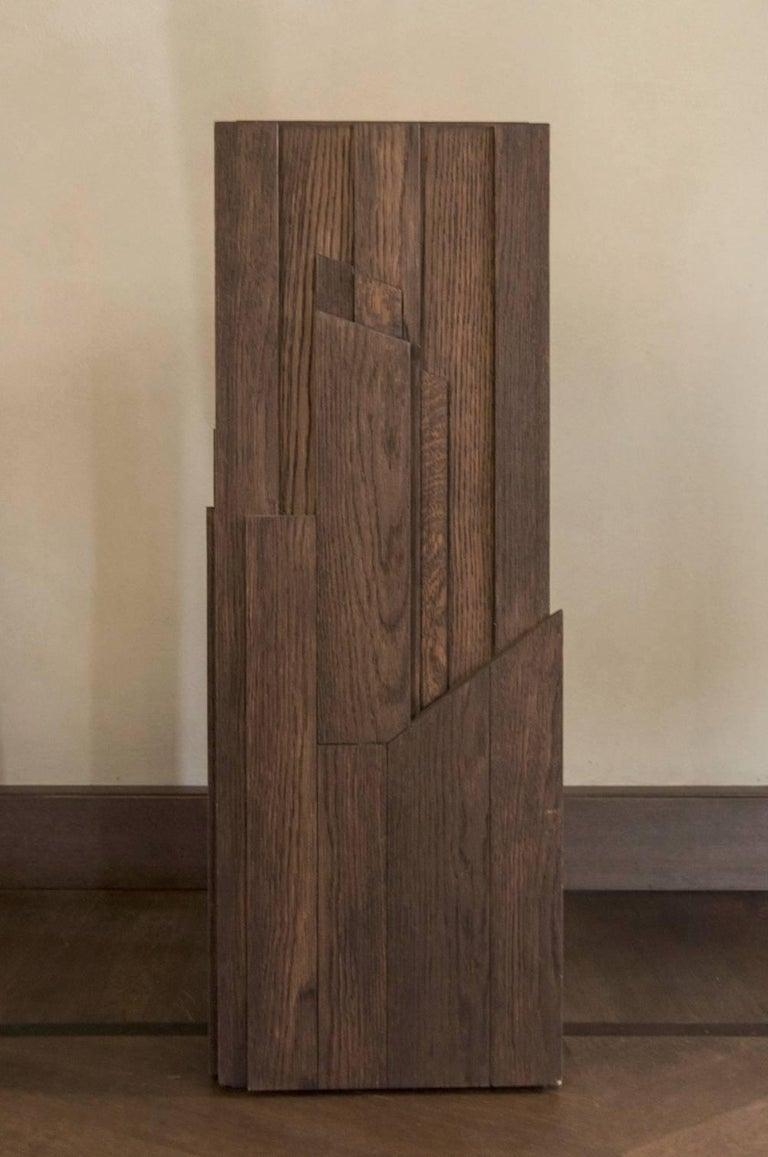 Italian Modern Style Grey Hand-Carved Oak Wood Column For Sale 2