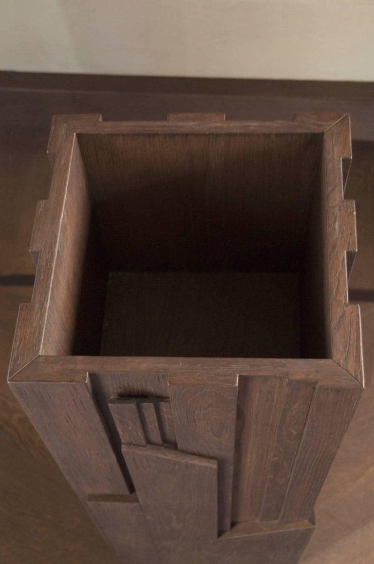 Italian Modern Style Grey Hand-Carved Oak Wood Column For Sale 3
