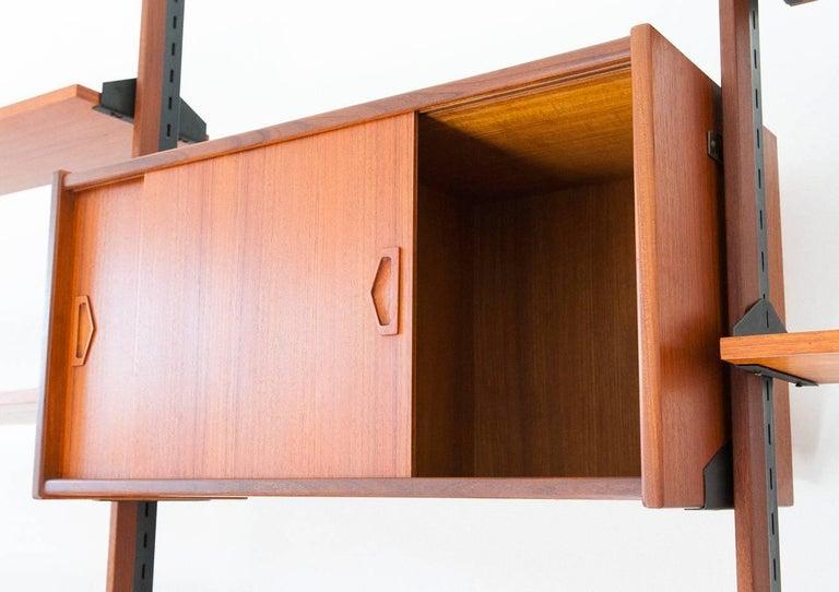Italian Modern Teak Brass Floor to Ceiling Wall Unit Bookshelf Library, 1950s For Sale 1