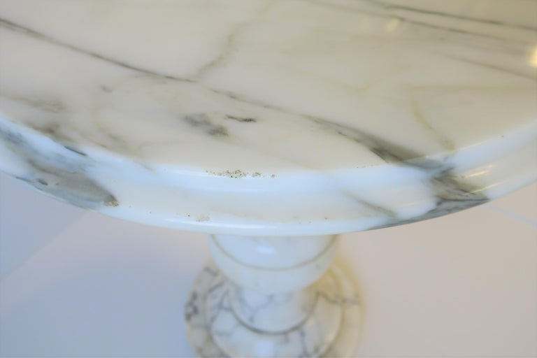 Italian Modern Round White and Black Marble Side Table For Sale 12
