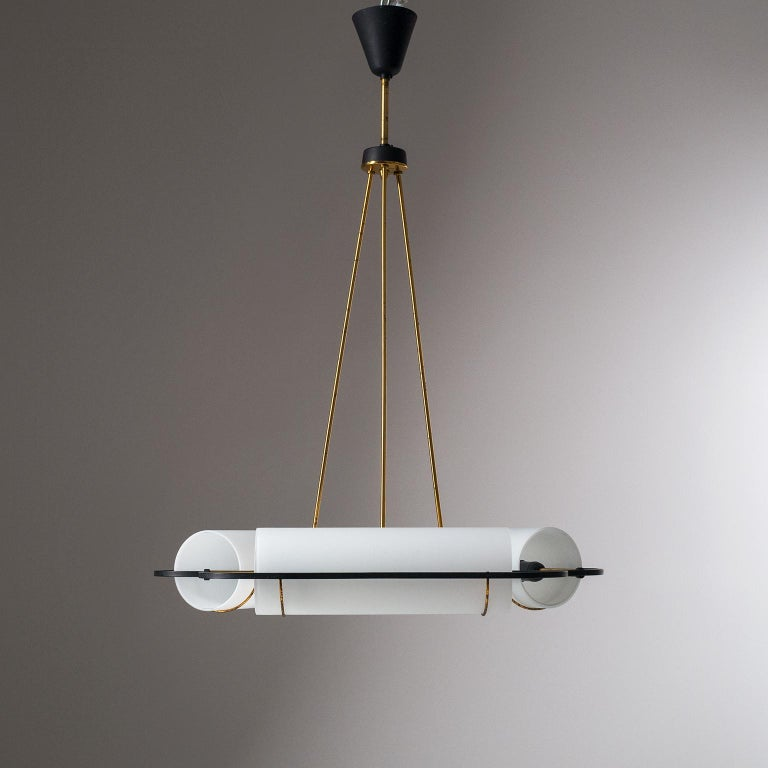 Italian Modernist Chandelier, 1950s, Satin Glass and Brass For Sale 1