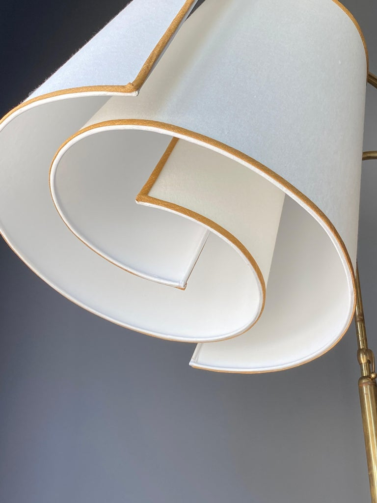 Italian Modernist Designer, Adjustable Floor Lamp, Brass, Marble, Fabric, 1970s In Good Condition For Sale In West Palm Beach, FL