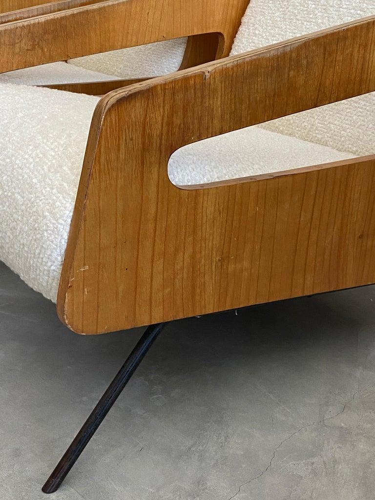 Mid-Century Modern Italian Modernist Designer, Lounge Chairs, White Bouclé, Wood, Metal, 1950s For Sale