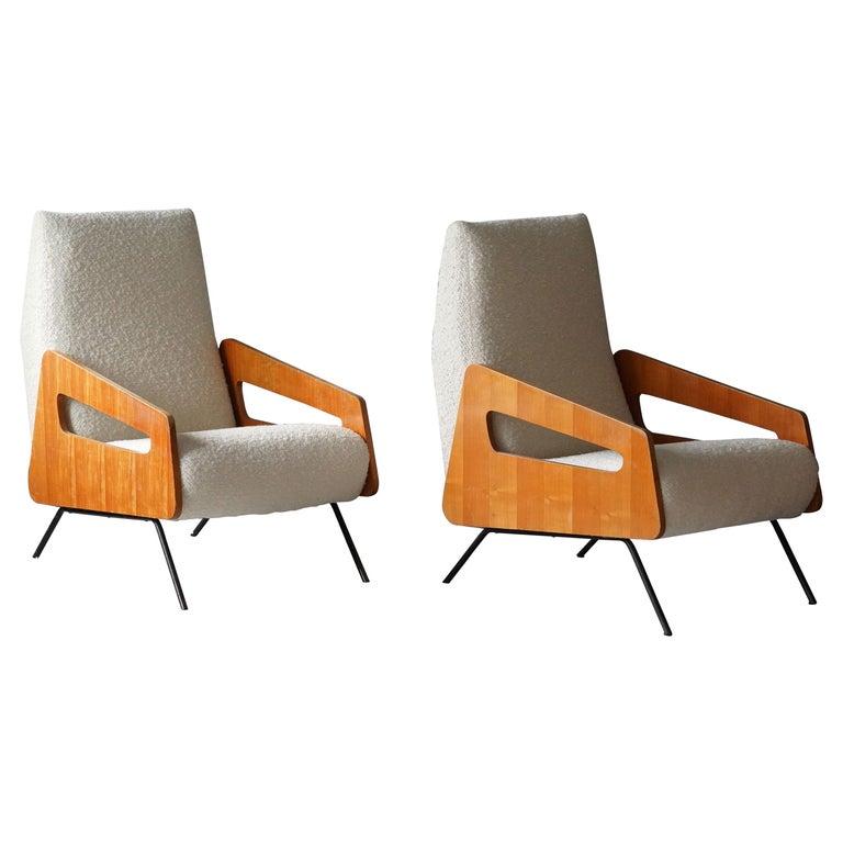 Italian Modernist Designer, Lounge Chairs, White Bouclé, Wood, Metal, 1950s For Sale