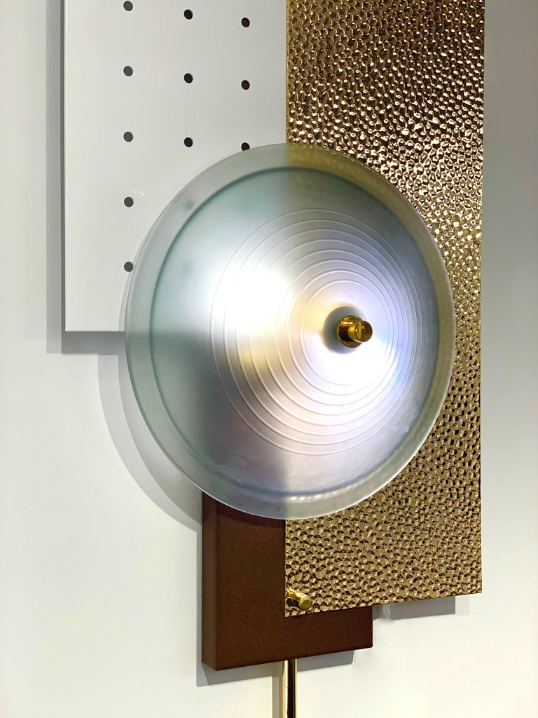 Italian Modernist Gold White & Brown Geometric Textured Metal & Glass Sconces In Excellent Condition For Sale In New York, NY