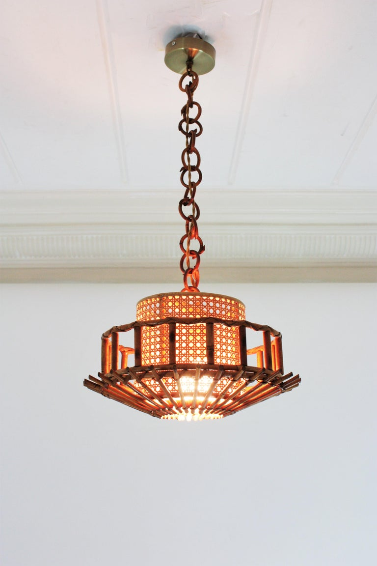Italian Modernist Rattan Pendant Hanging Light with Woven Wicker Shade, 1960s For Sale 2