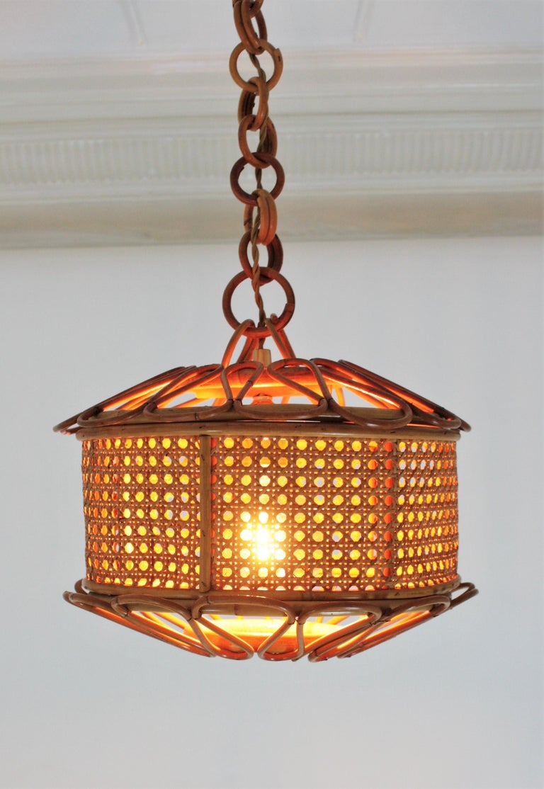 Woven Italian Modernist Wicker Wire and Rattan Pendant Hanging Light, 1950s For Sale