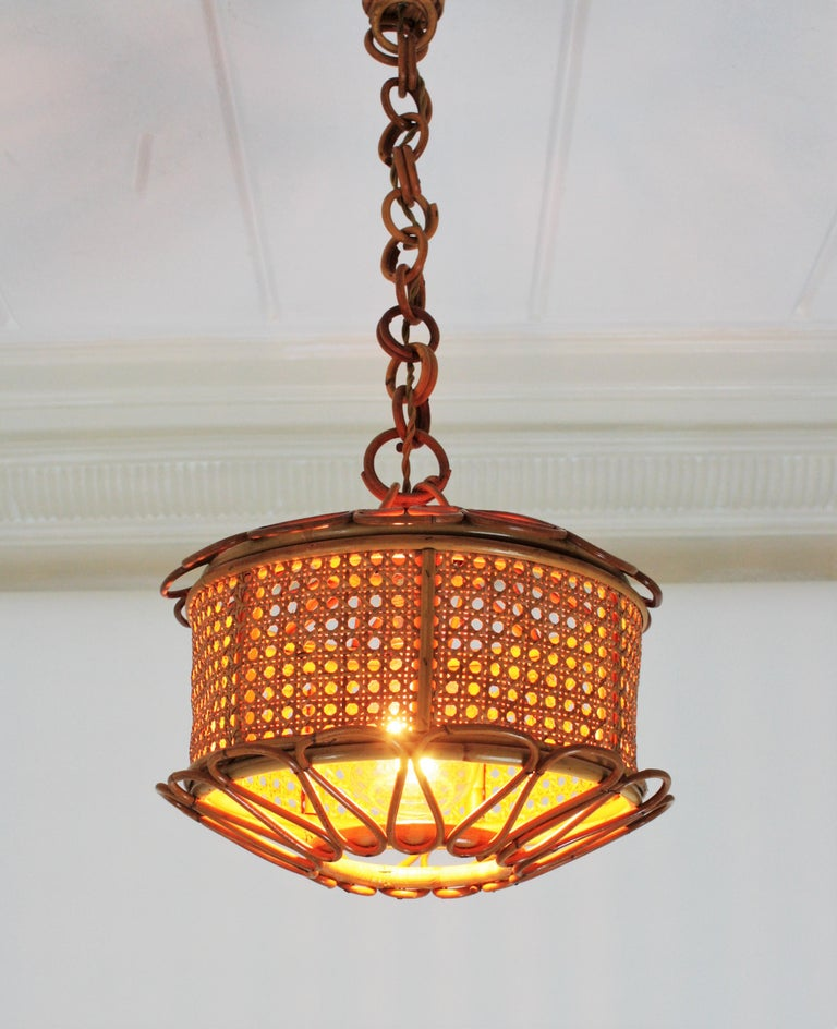 Italian Modernist Wicker Wire and Rattan Pendant Hanging Light, 1950s For Sale 1