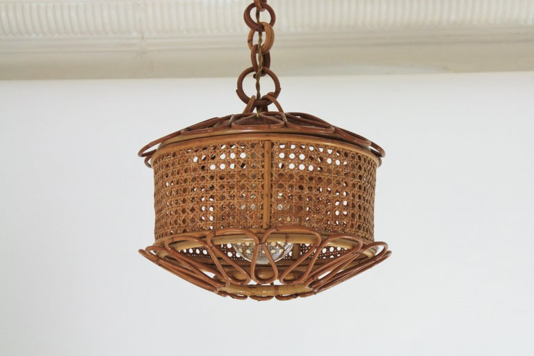 Italian Modernist Wicker Wire and Rattan Pendant Hanging Light, 1950s For Sale 2