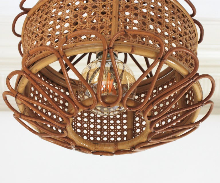 Italian Modernist Wicker Wire and Rattan Pendant Hanging Light, 1950s For Sale 3