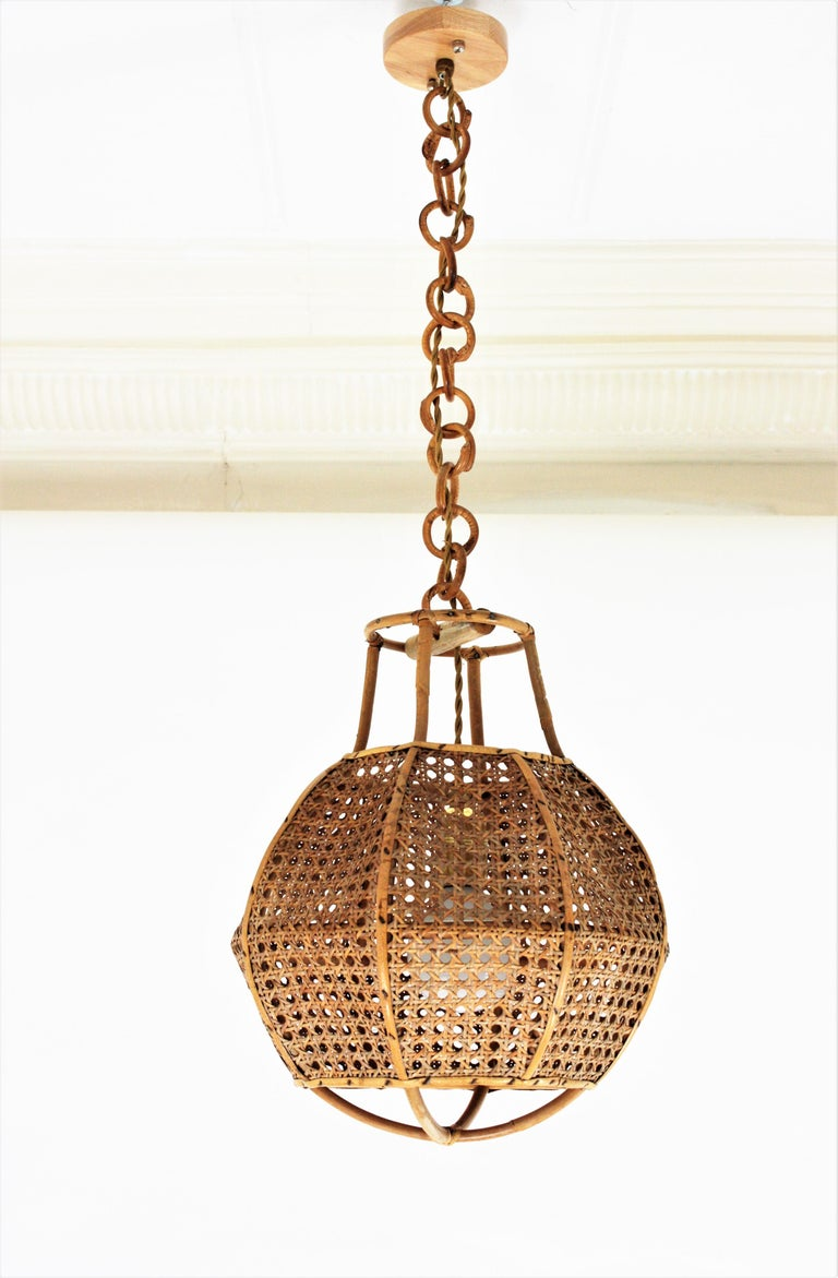 Italian Modernist Wicker Wire and Rattan Globe Pendant / Hanging Light, 1950s For Sale 5