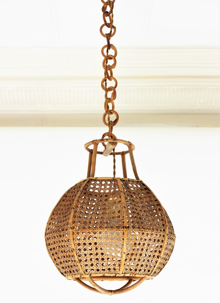 Italian Modernist Wicker Wire and Rattan Globe Pendant / Hanging Light, 1950s For Sale 6
