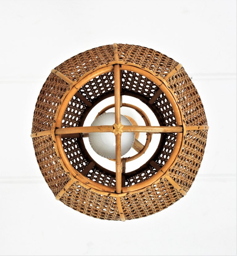 Italian Modernist Wicker Wire and Rattan Globe Pendant / Hanging Light, 1950s For Sale 7