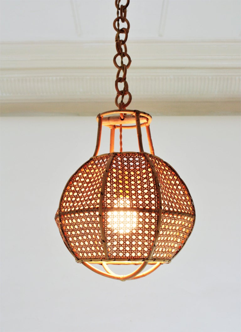 Italian Modernist Wicker Wire and Rattan Globe Pendant / Hanging Light, 1950s For Sale 12