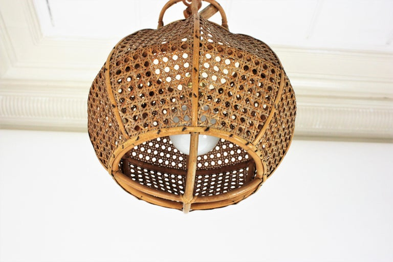 20th Century Italian Modernist Wicker Wire and Rattan Globe Pendant / Hanging Light, 1950s For Sale