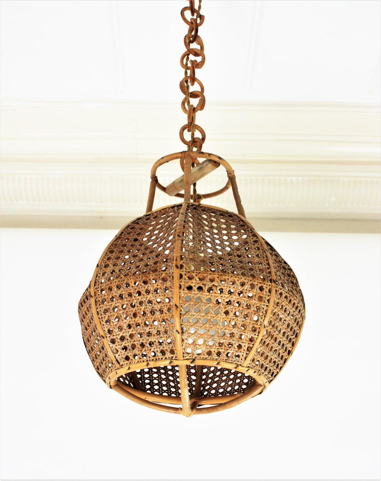 Italian Modernist Wicker Wire and Rattan Globe Pendant / Hanging Light, 1950s For Sale 1