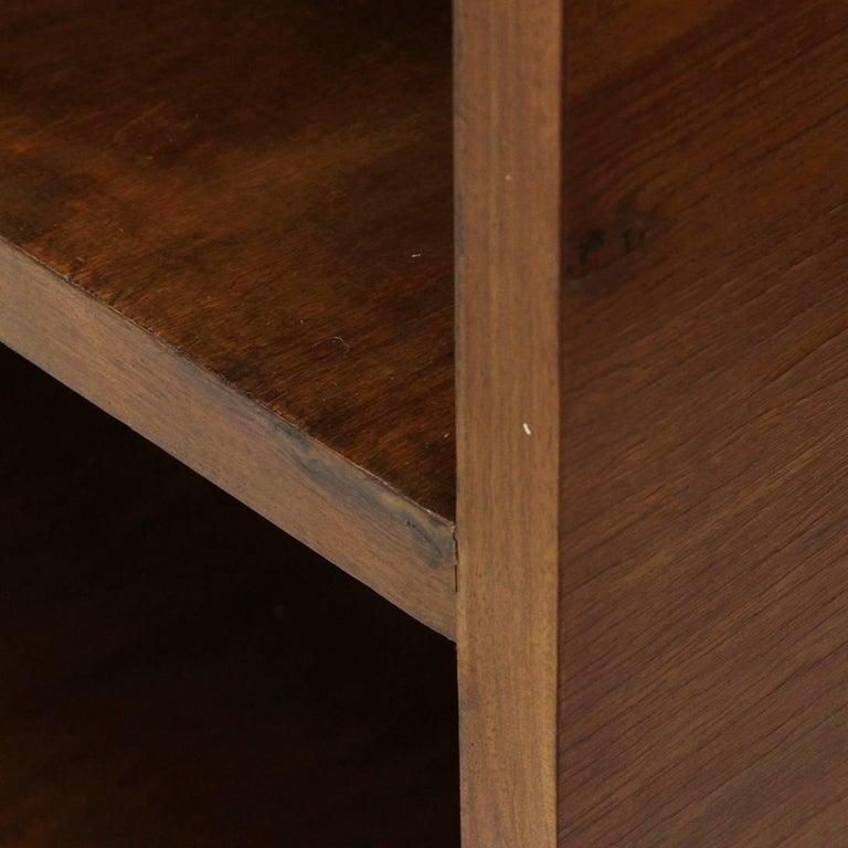 Italian Modernist Wooden Bookcase, 1940s For Sale 2